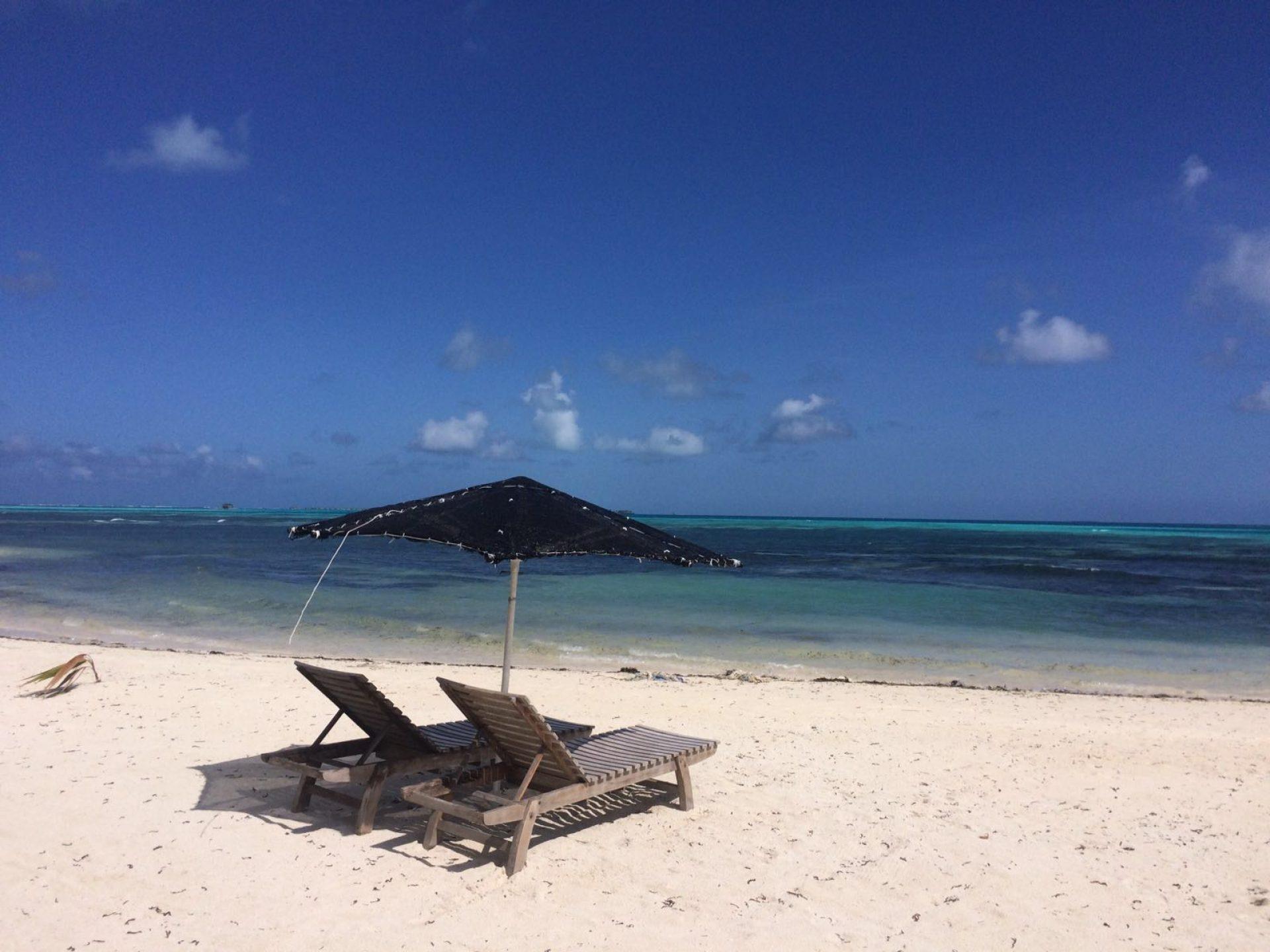 shamar_bikini_beach